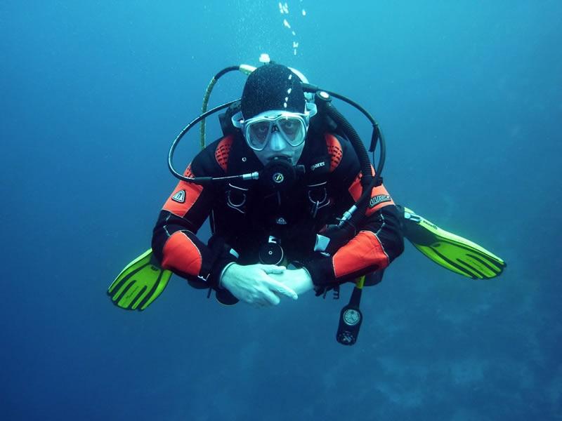 Conoce 5 especialidades del buceo profesional en San Andrés