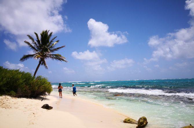 Johnny Cay Rolling San Andrés - Caminando a la orilla del mar