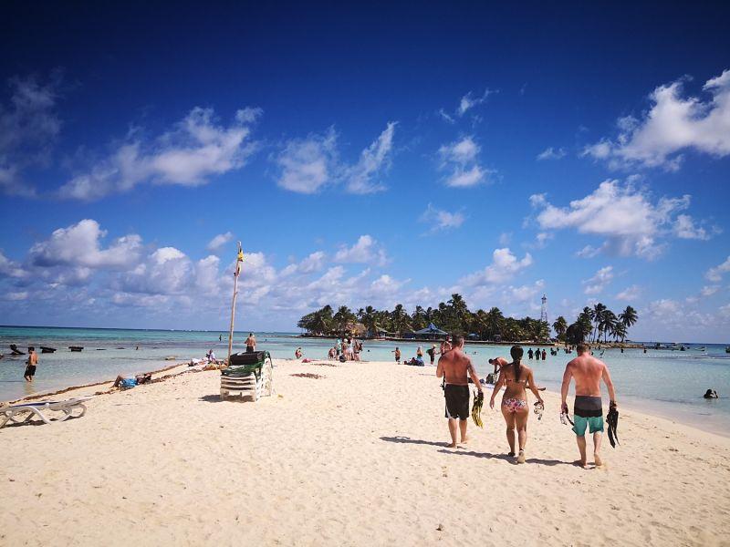VIP Beach Rolling San Andrés - Disfrutar con los amigos